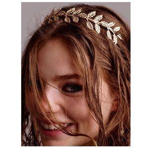 Accessories - 👚4/$30👚 Gold Leaf Headband